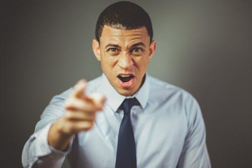 การโต้เถียงหรือวิธีการพูดคุยกับผู้ชาย